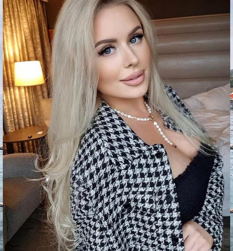 mama-blonde-escort-3318.jpg